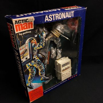 ACTION MAN - ASTRONAUT with Life Support Record Player CARDED (Ref 2)